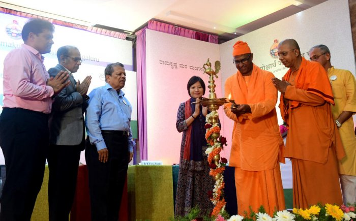 Ramakrishna Belur Mutt Assistant General Manager Swami Sathyeshnanandji and other dignitaries inaugurated the university-level conference on Clean India organised at Ramakrishna Mutt in Mangaluru on Friday.