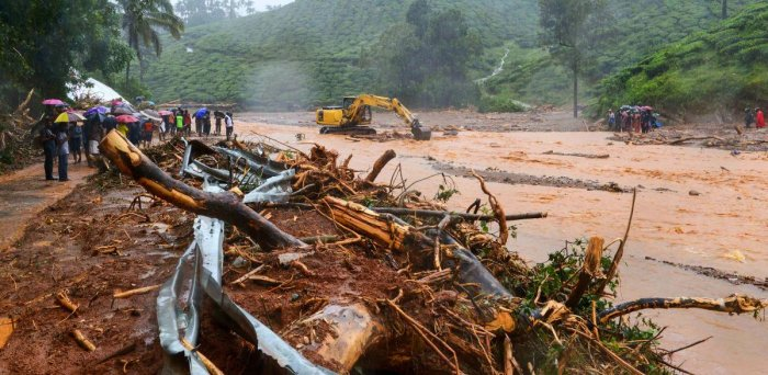 Heavy rain is continuing in Wayanad, hampering the rescue efforts, the officials said.