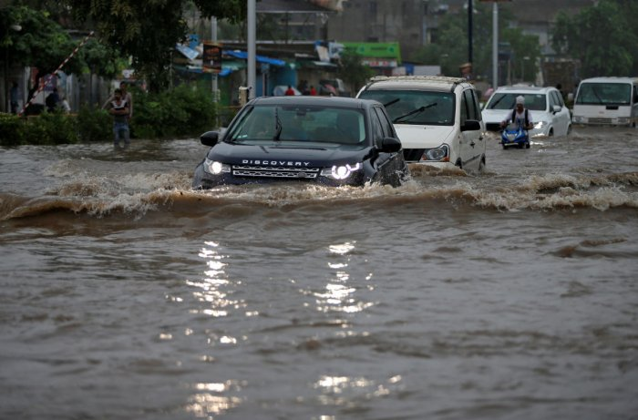 With rains predicted to worsen in coming days, the government ordered military teams to form rescue units and airlift food to stranded villages across Kerala. (Reuters photo)