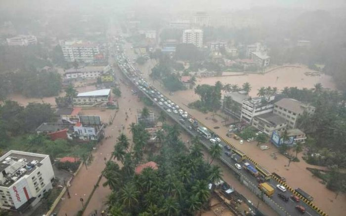 In a new study, researchers at the Indian Institute of Technology, Gandhinagar found that the current trend of intense rainfall spanning over a few days (1-5 days) triggering floods in India would increase significantly in the future with enhancement in the emission of green house gases and consequent warming. (DH File Photo)