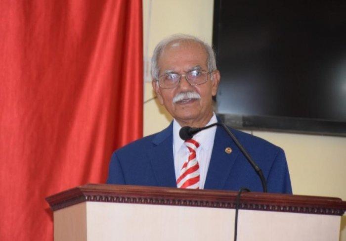 Dr Austin Prabhu, editor of 'Veez Konkani – Illustrated Weekly International' e-magazine, speaks after launching 'AgneSwara', the e-magazine of St Agnes College.