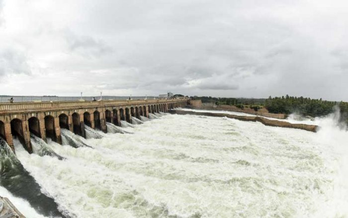 The KRS dam in Srirangapatna taluk continued to receive heavy inflow and was just three feet away (121 ft) from the maximum level of 124.80 ft, on Sunday evening. DH file photo