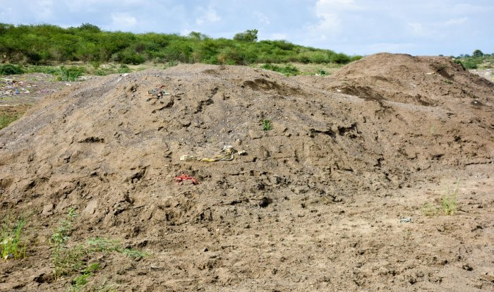 Reduction in the sale of cement is a reason for the decline in illegal sand mining. (DH Photo)