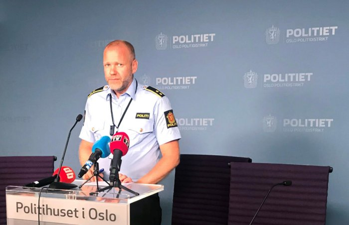 Rune Skjold, Assistant Chief of Police, holds a news conference after a shooting in al-Noor Islamic center mosque, in the police headquarters in Oslo, (Reuters Photo)