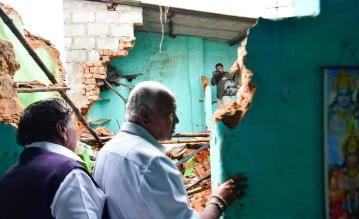 Chief Minister B S Yediyurappa visited flood-affected areas in Shivamogga city on Tuesday. He was accompanied by MLA and senior BJP Leader K S Eshwarappa, MP B Y Raghavendra and corporators.