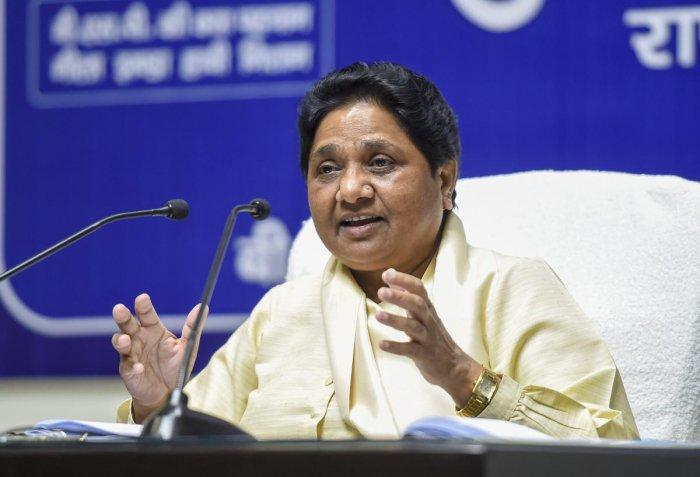 Lucknow: Bahujan Samaj Party (BSP) president Mayawati in Lucknow, Monday, April 15, 2019. (PTI Photo/Nand Kumar) (PTI4_15_2019_000197A)