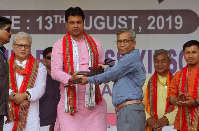 The group led by its leader Sabir Kumar Debabarma deposited their weapons before Chief Minister Biplab Kumar Deb at a function held at Ambassa in Dhalai district.
