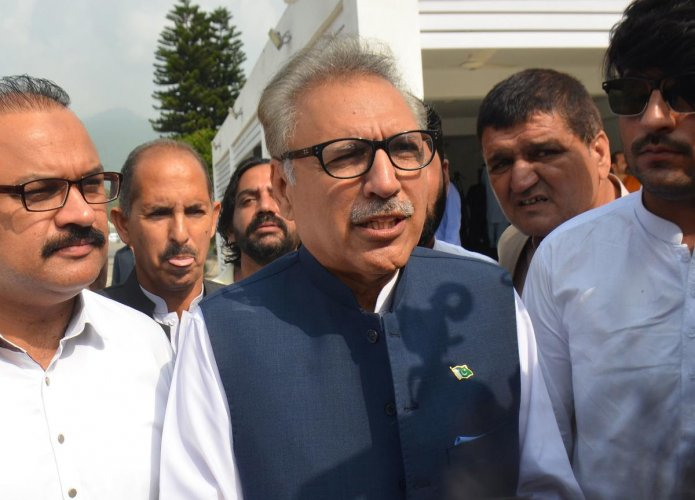 Alvi in his speech reaffirmed Pakistan's support to the people of Kashmir. (AFP Photo)