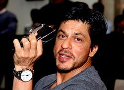 SRK's Independence Day wish: Happy and free lives for women