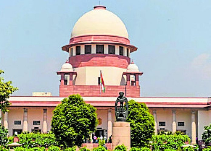 The apex court asked lawyers to cure defects in their six petitions on Article 370 and adjourned the hearing. (DH Photo)