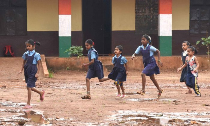 The high court had upheld the constitutional validity of the amendment to Rule 4 of the Karnataka Right of Children to Free and Compulsory Education Rules, 2012. DH File Photo