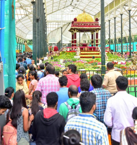 Huge crowd seen at Lalbagh on the last day of the Independence Day flower show on Sunday.