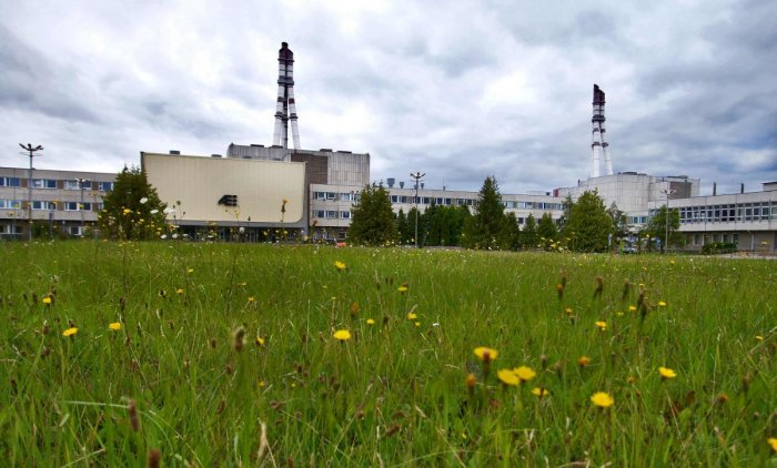 """Fans of HBO's hit series """"Chernobyl"""", detailing the world's worst nuclear disaster, can get a behind-the-scenes glimpse at the Emmy-nominated TV drama by taking a new tour of its set at a Soviet-era reactor in Lithuania. (Photo by Petras Malukas / AFP)"""