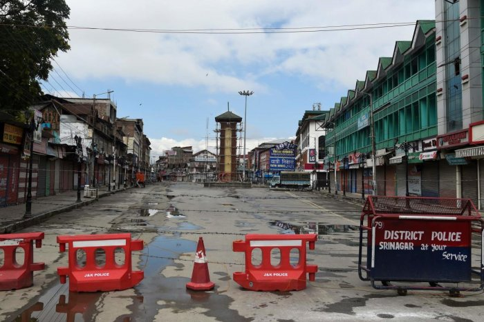 The clock tower at deserted Lal Chowk is pictured during a security lockdown in Srinagar. (AFP Photo)