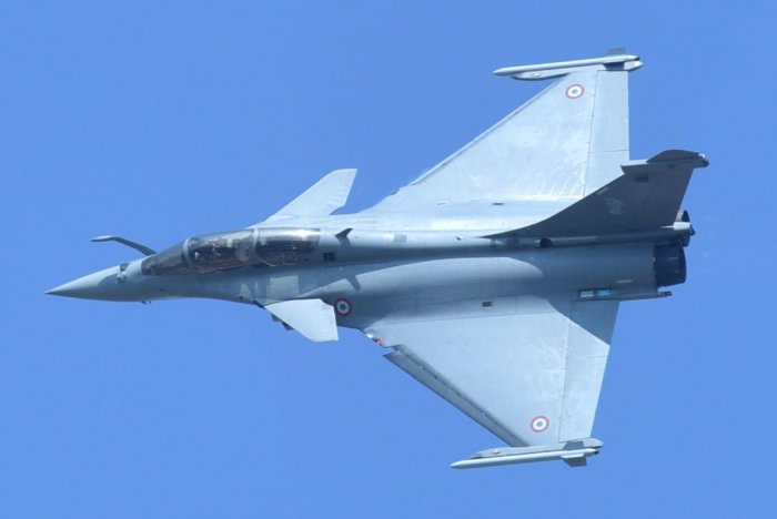 India had inked an inter-governmental agreement with France in September 2016 for procurement of 36 Rafale fighter jets at a cost of around Rs 58,000 crore. (DH File Photo)