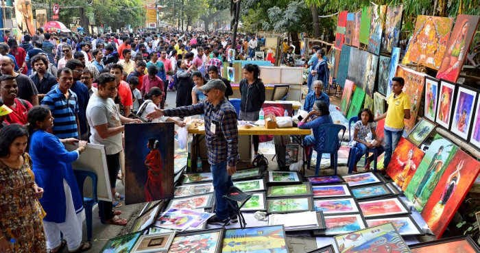 Digital out, cash in again at Chitra Santhe