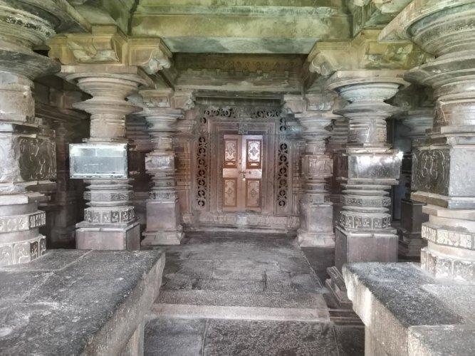 Pillared hall