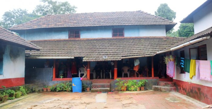 Agarimaru Jalajakshi's house at Agarimaru, Malavanthige Gram Panchayat, Belthangady taluk, which had provided shelter to rain victims.