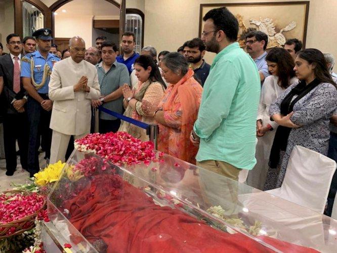 President Ram Nath Kovind pays his respects to Arun Jaitley in New Delhi on Saturday. PTI
