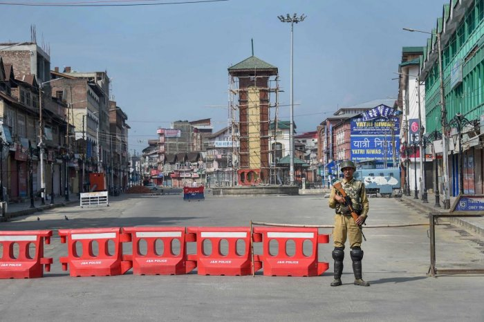 The restrictions imposed on the media in Kashmir have gone on for too long. Responsible media forums like the Editors' Guild have expressed concern over the clampdown, as such curbs are undemocratic and counterproductive. (PTI File Photo)