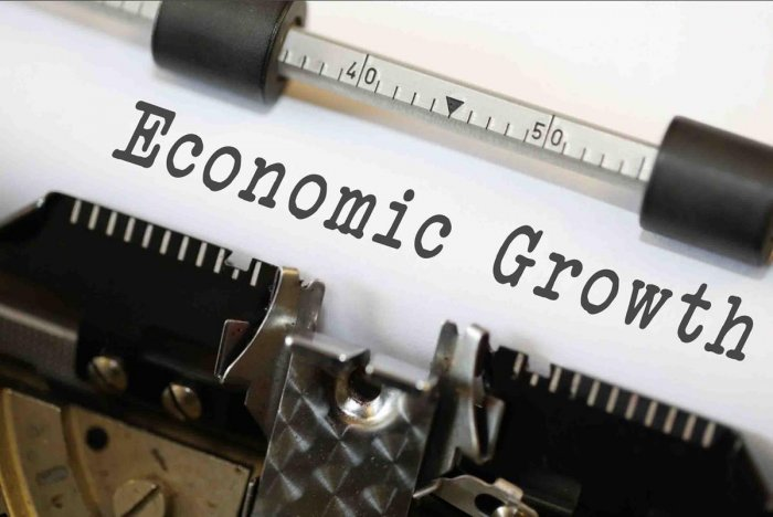 A large minority - about 40% of nearly 65 economists - expect an expansion of 5.6% or lower. If the forecast is realised, it would be the weakest start in the first three months of a fiscal year in seven years.