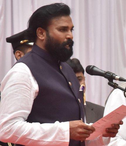 Health Minister V Sreeramulu. (DH File Photo)
