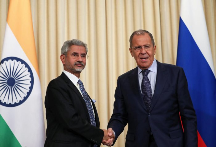 Russia's Foreign Minister Sergei Lavrov and his India's counterpart Subrahmanyam Jaishankar shake hands during a news conference after a meeting in Moscow, Russia. Reuters photo