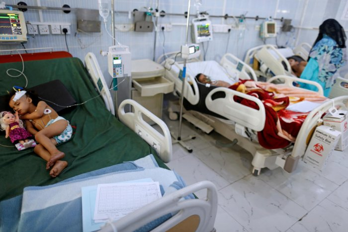 Children infected with diphtheria lie on beds at the al-Sabeen hospital in Sanaa, Yemen October 21, 2018. REUTERS/Khaled Abdullah