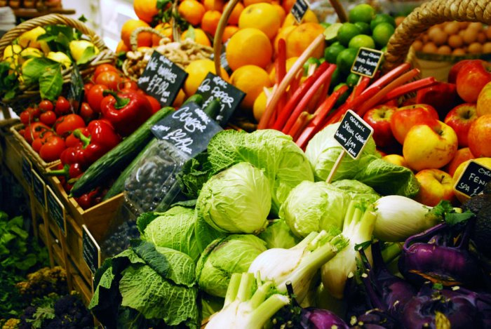 """The study found that on average, reaching the """"five-a-day"""" fruit and vegetable servings advocated by doctors cost just two percent of household income in rich nations, but more than a half of household income in poorer ones. (Reuters Photo)"""