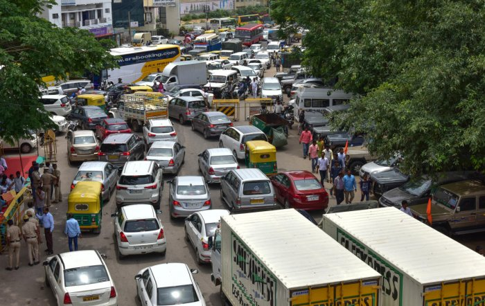 These are provisions which require no further amendments in the Central Motor Vehicles Rules 1989, the Ministry of Road Transport and Highways said in a statement. (DH File Photo)