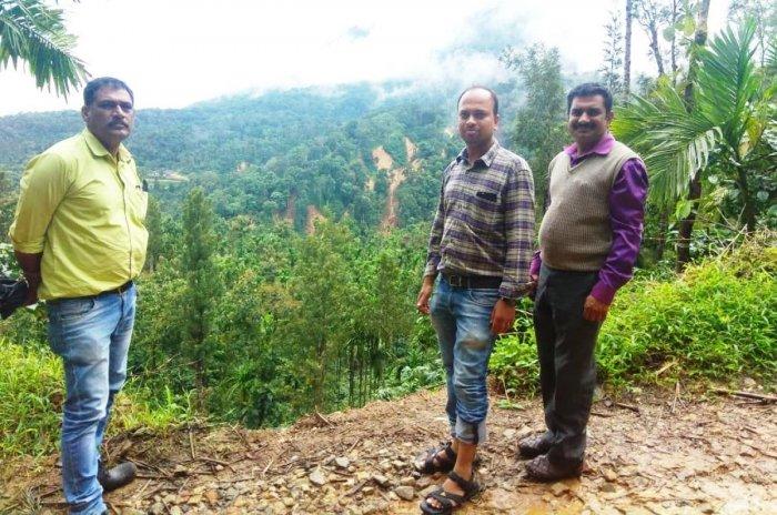 A team of officials visited the flood-affected Madhugundi village in Mudigere taluk.