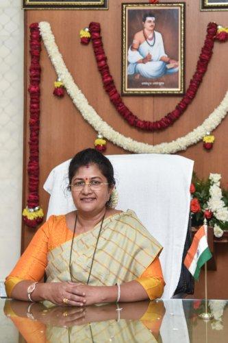 Jolle Shashikala Annasaheb, Women and Child Development Minister assume office at Vikasa Soudha in Bengaluru on Wednesday. Photo by S K Dinesh