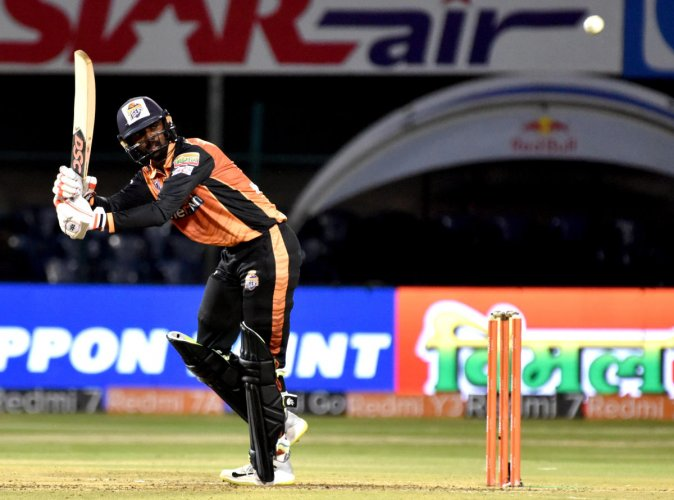 Hubli Tigers' Mohammad Taha en route his 63 against Belagavi Panthers. DH PHOTO/SAVITHA BR