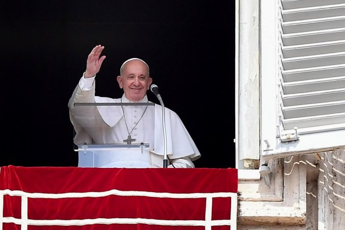 Climate change: Pope urges politicians to take measures