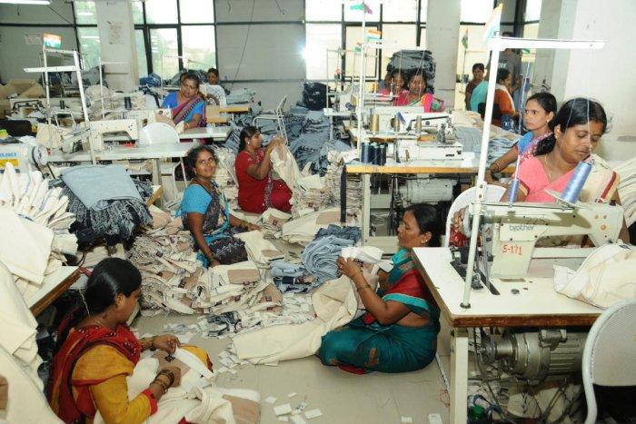 Units manufacture ready-made fabrics