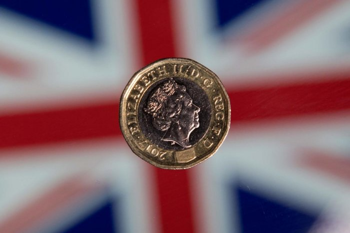 The British pound slid below $1.20 on September 3, 2019, for the first time since the start of 2017, as the UK faces a possible general election amid Brexit turmoil. (Photo by AFP)