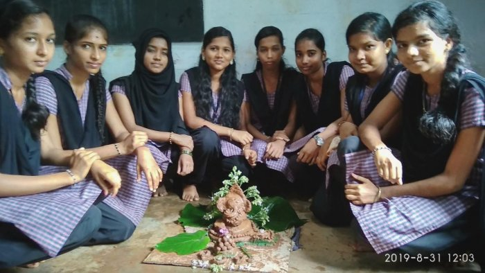 Plant-a-Ganesha idol prepared by students of Vandse Govenment PU College, Kundapur.
