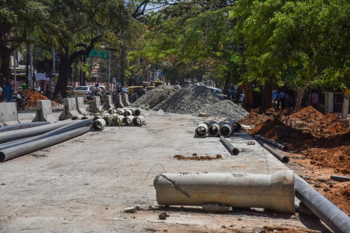 The BBMP will asphalt the stretch along Kanakapura Road, where BWSSB has completed the pipeline work. DH file