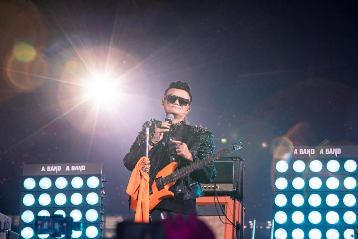 Jack Ma performs onstage during Alibaba's 20th anniversary party as the co-founder of the Chinese e-commerce giant steps down from his role as the company's chairman, at a stadium in Hangzhou, Zhejiang province, China September 10, 2019. (Photo by Reuters