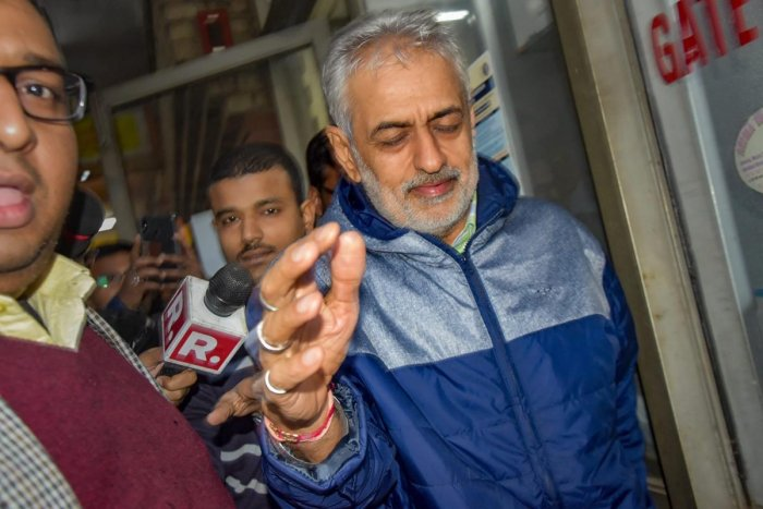 Lobbyist Deepak Talwar, arrested in a money laundering case, being taken to the court by the Enforcement Directorate officials, in New New Delhi, Thursday, Jan 31, 2019. (PTI Photo)