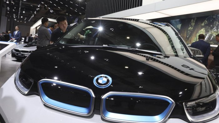 BMW to close its Oxford plant for two days. (AP Photo)