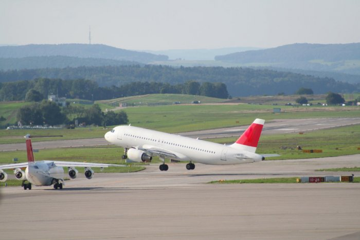 Rise in air fare. (DH Photo)
