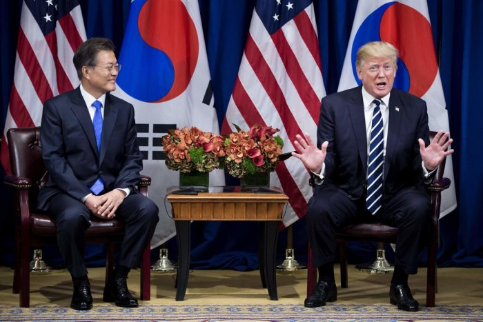 South Korea's President Moon Jae-in and US President Donald Trump. (AFP Photo)