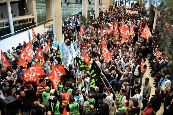 CGT Union members gather inside Paris public transports operator headquarters La Maison de la RATP in Paris on September 13, 2019, during a one-day strike of RATP employees over French government's plan to overhaul the country's retirement system. (Photo
