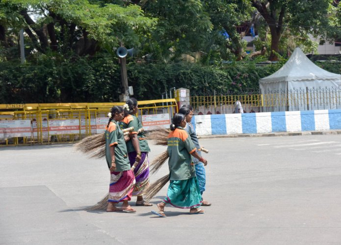 Little has changed for pregnant pourakarmikas since 2017 when the BBMP started paying their salaries directly. DH FILE PHOTO