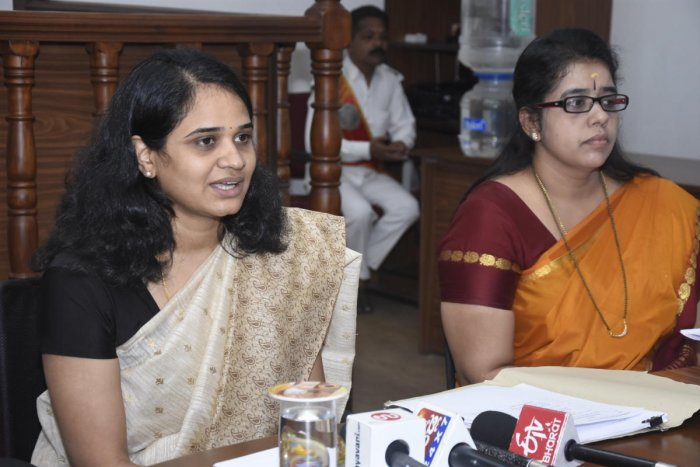 Deputy Commissioner Sindhu B Rupesh speaks to mediapersons in Mangaluru on Monday. DH Photo