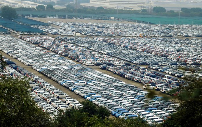Car companies come up with festive offers every year, but this time, the magnitude of slowdown has forced them to offer deeper discounts. PTI FILE