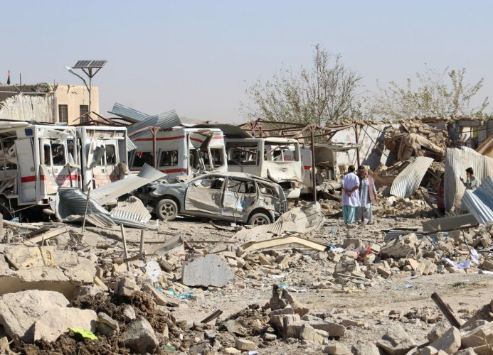 Damaged vehicles are seen at the site of a car bomb attack in Qalat, capital of Zabul province, Afghanistan September 19, 2019. (Photo by Reuters)