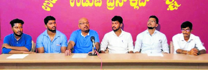 Psychiatrist and social activist Dr P V Bhandary speaks to mediapersons in Udupi on Friday.