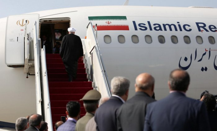 Iranian President Hassan Rouhani boards a flight before leaving for New York, in Tehran, Iran September 23, 2019. (Official Iranian President website/Handout via REUTERS)